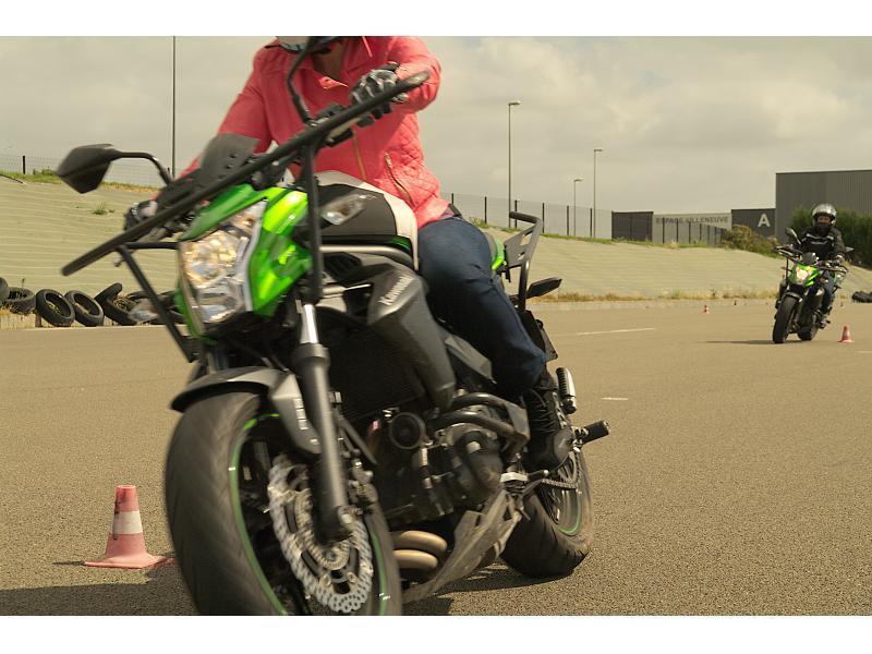 Pleins Phares au Mans et les environs pour passer les permis voiture B, permis moto A1, A2, A, AM et BSR et remorque BE et B96