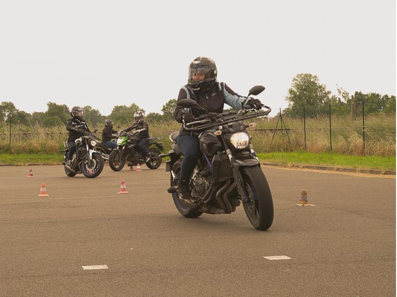 Passer votre permis moto au Mans et environs sur piste moto privée